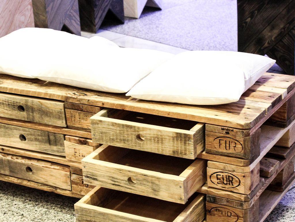 m bel und einrichtungsideen aus paletten. Black Bedroom Furniture Sets. Home Design Ideas