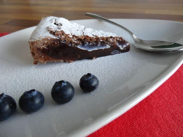 ... Eine Spezielle Geschmacksrichtung Wie Chili  Oder Kaffeschokolade Sein.  Die Tarte Schmeckt Gekühlt Aufbewahrt Auch Nach Einigen Tagen Noch  Hervorragend.