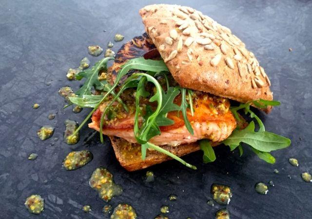 burger rezepte mit fleisch und vegetarisch. Black Bedroom Furniture Sets. Home Design Ideas