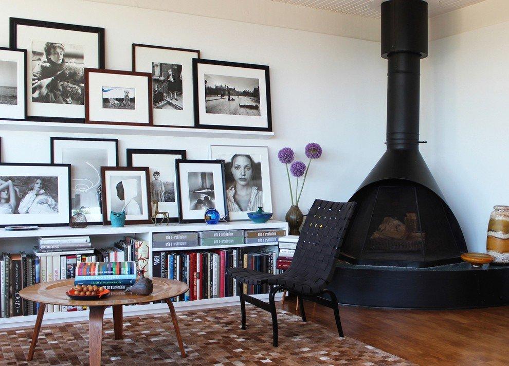 Black-Lacquer-Floating-Shelf-Creative-Photo-Display (http-::marciaprentice.com:).jpg