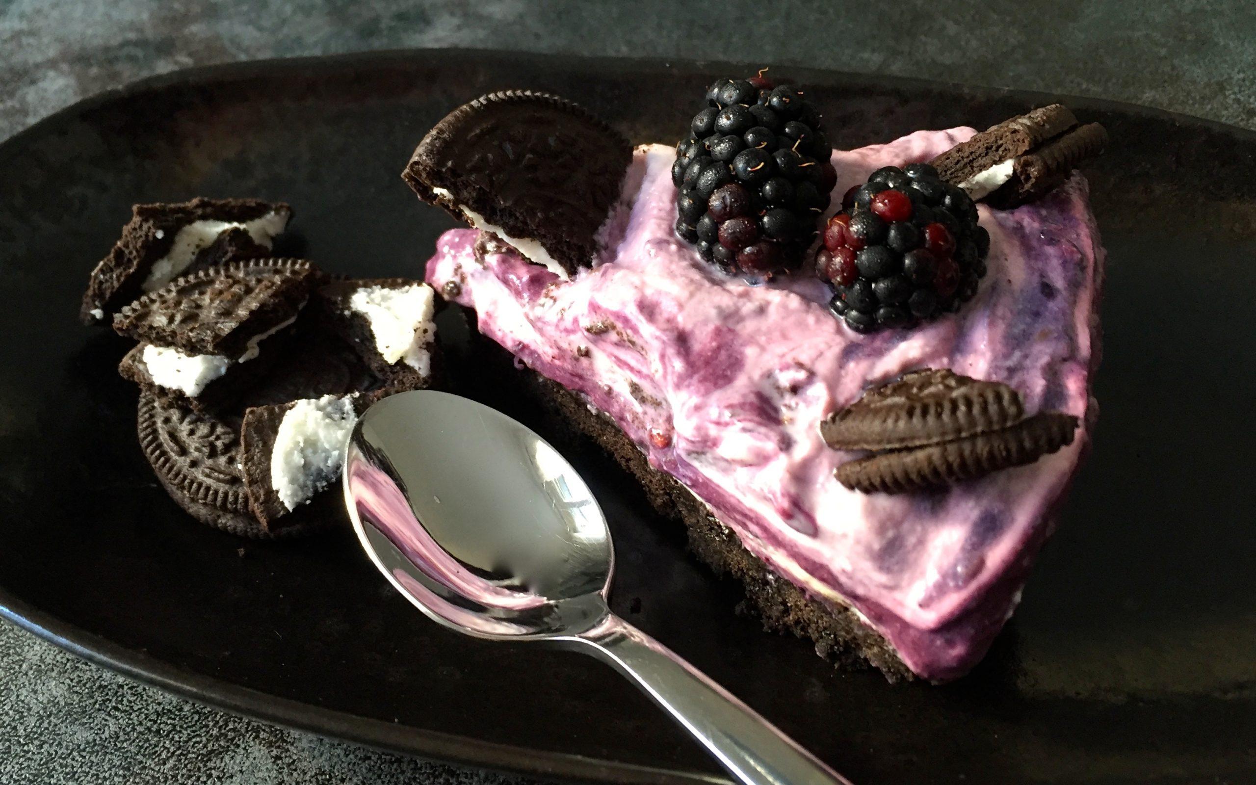 Oreo Torte mit Beeren.JPG