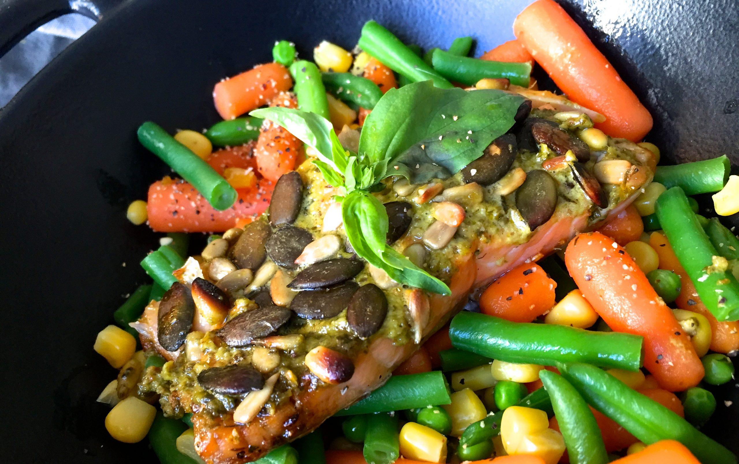 Gebratener Lachs mit Pesto.JPG