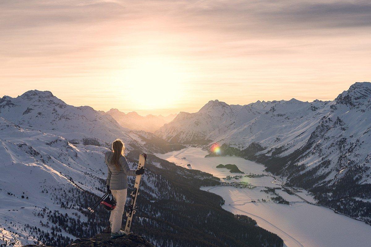 Ski_Dinearound_c_Corvatsch.jpg