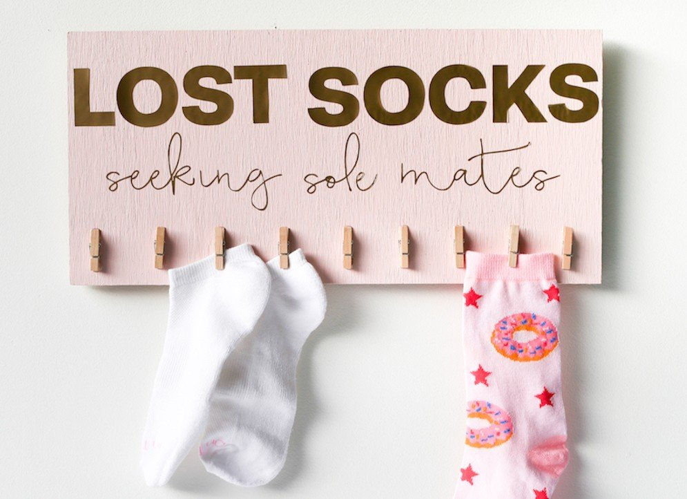 DIY-Lost-Sock-Sign-Tutorial-Salty-Canary-24-of-26-copy.jpg