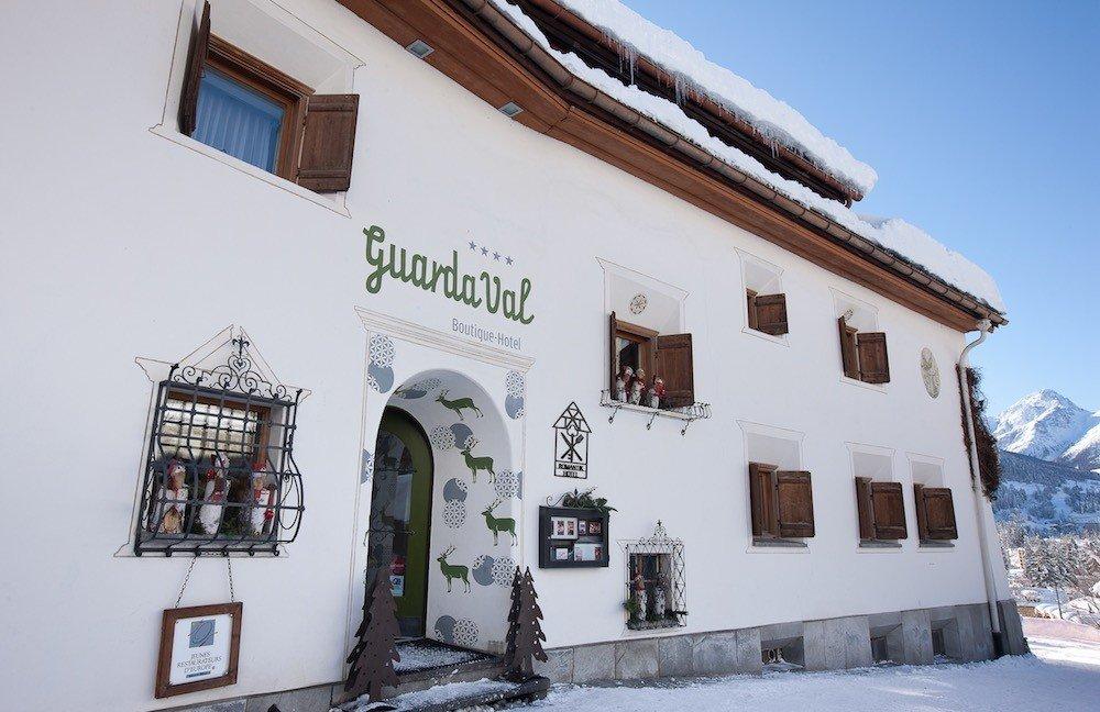 GuardaVal_Hotel_Winter.jpg