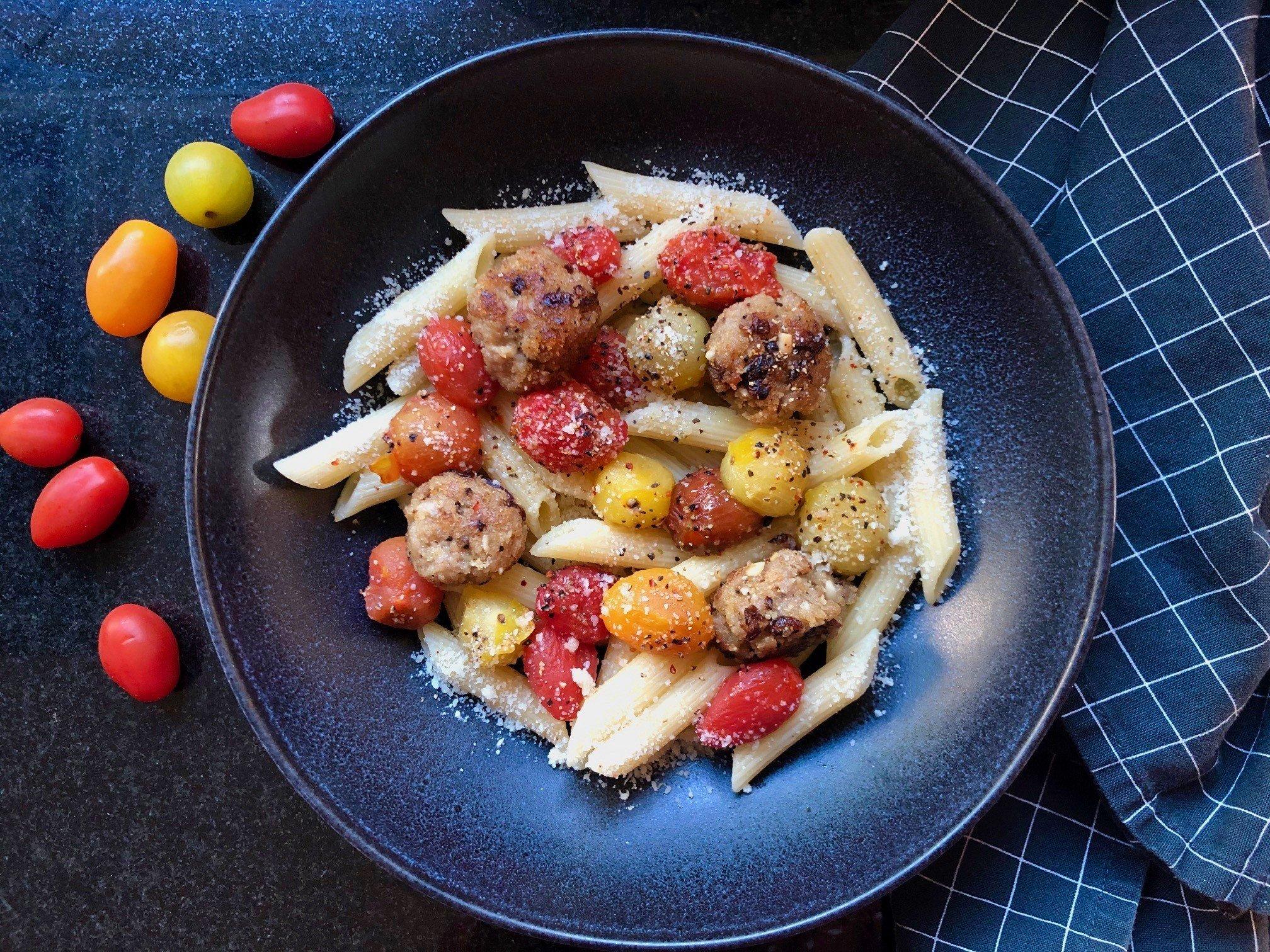 Pastahit mit Hackfleischbällchen und Tomaten.jpg