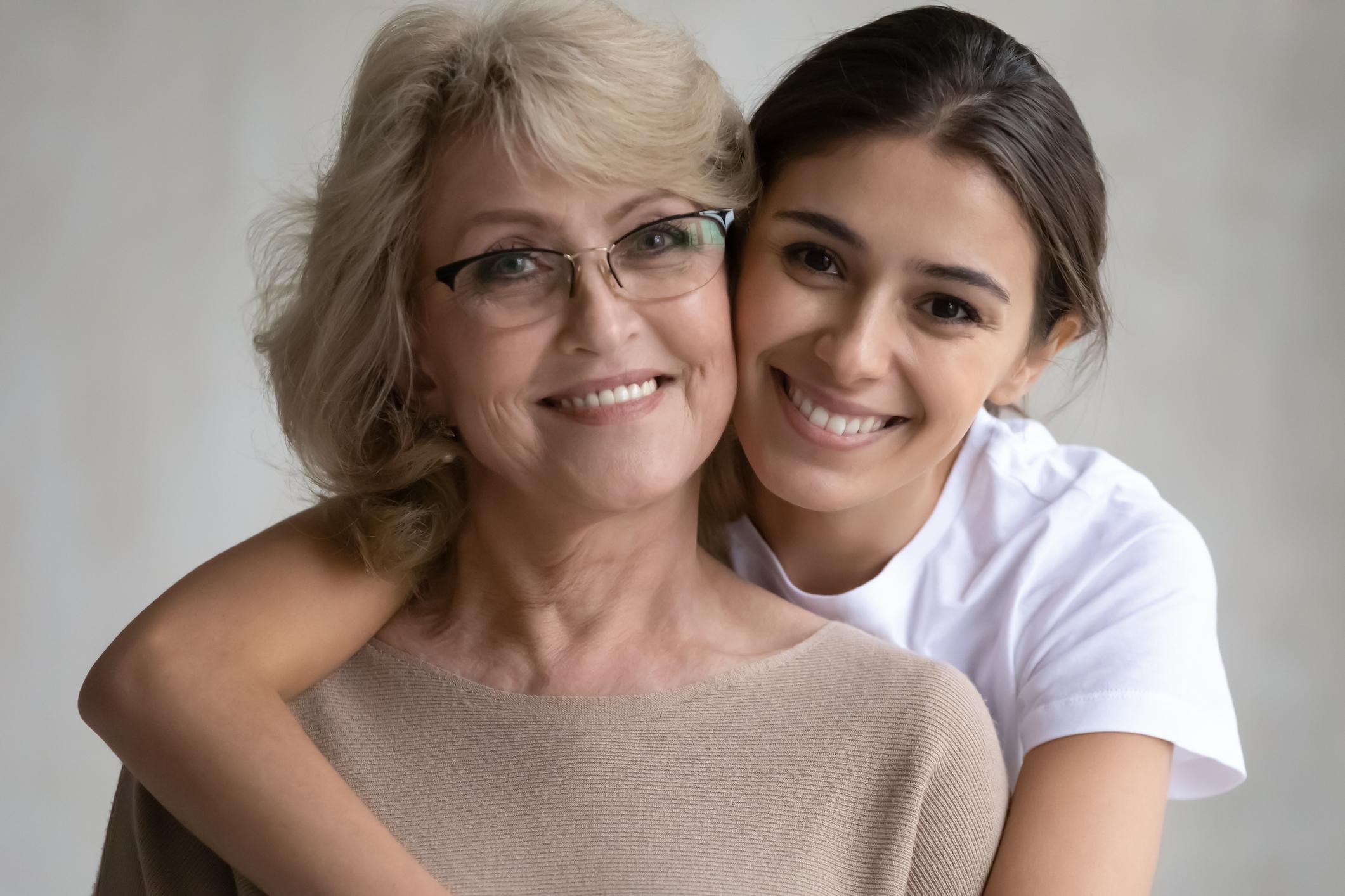 Wie du dich älter oder jünger schminken kannst